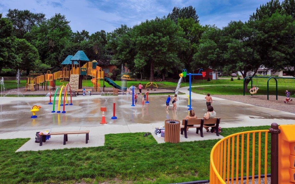 Spirit-Lake-Memorial-Park_KunZhang-Splash-Pad-Park-D-3